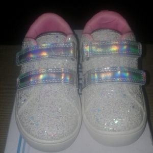 🌟NEW ARRIVAL🌟 Carters Glitter Sneakers